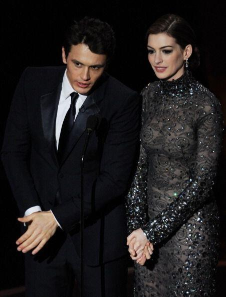 Al igual que Anne Hathaway, quien usó este mismo vestido de Tom Ford, a...