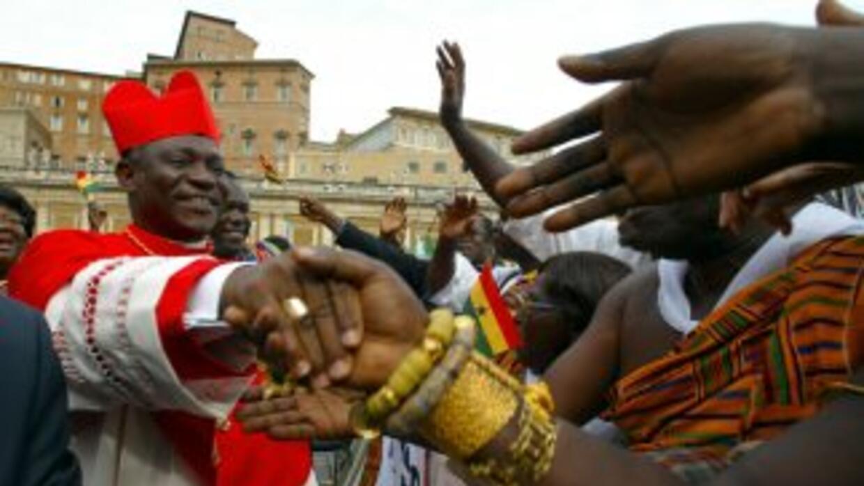 El cardenal de Ghana, Peter Turkson, lidera las apuestas en Londres, Ing...