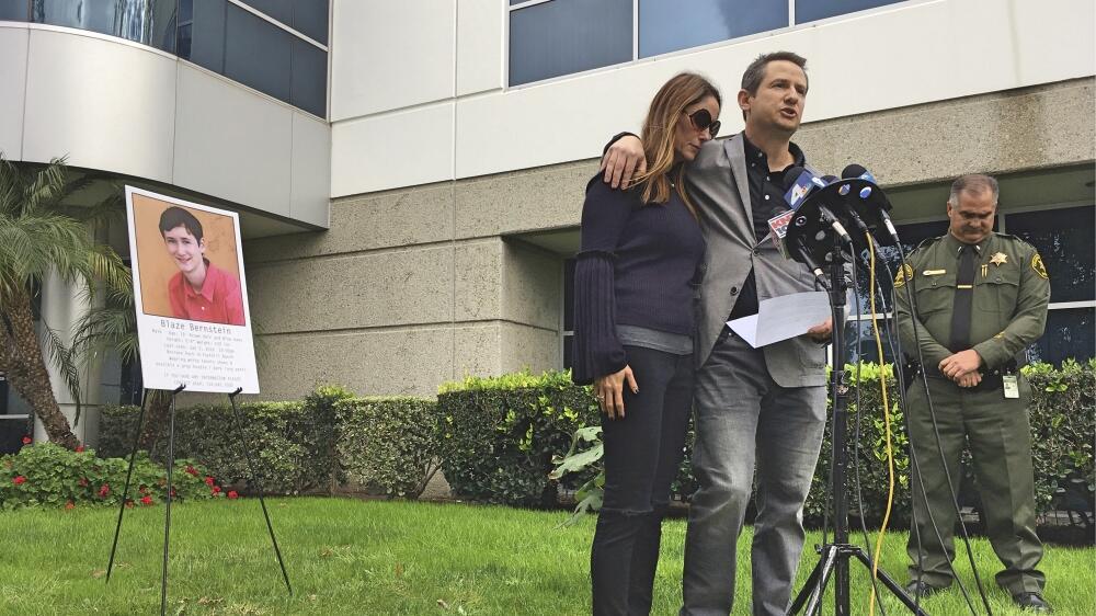 Gideon y Jeanne Bernstein, padre del joven desaparecido en conferencia d...