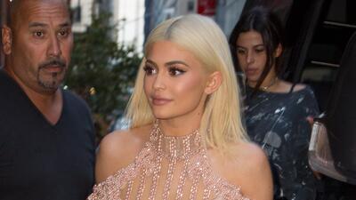 Kylie Jenner le quitó la funda a su lámpara