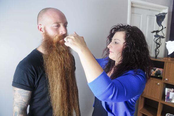 Los tres amigos acordaron dejarse la barba lo más largo que se pudiera y...