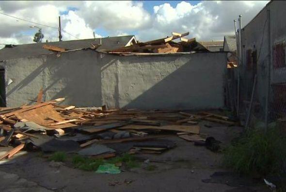 Estas otras propiedades en el sur de Los Angeles perdieron el techo- lit...