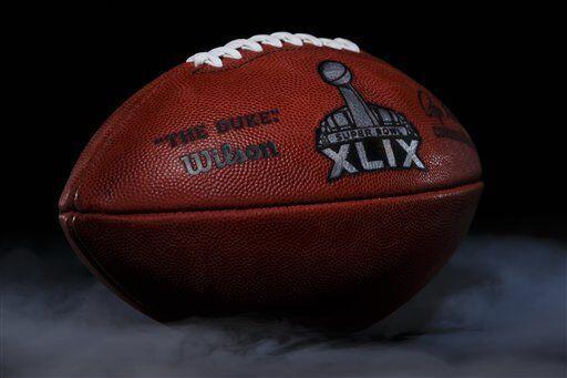 Es así como se fabrican los balones del Super Bowl XLIX (AP-NFL).