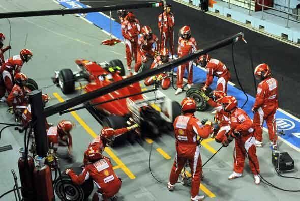 El equipo de mecánicos de la Ferrari volvió a tener una jornada estelar...