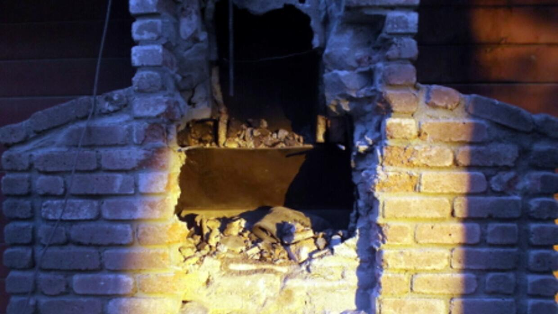 Autoridades intentaron derribar la chimenea de un hogar para rescatar a...