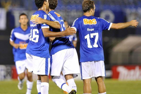 Curiosamente Cruzeiro había clasificado antes de salir a jugar gracias a...