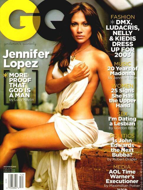 Tres años después posó para la revista GQ, desnuda, y cubriéndola solo u...