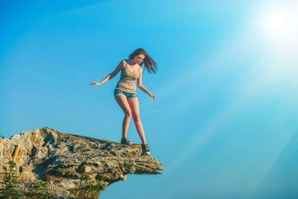 Encontrarse en una azotea, o en un techo, o en algún sitio natura...