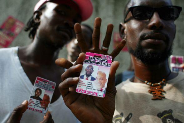 Los seguidores de Martelly, desde que era cantante, salieron a festejar...