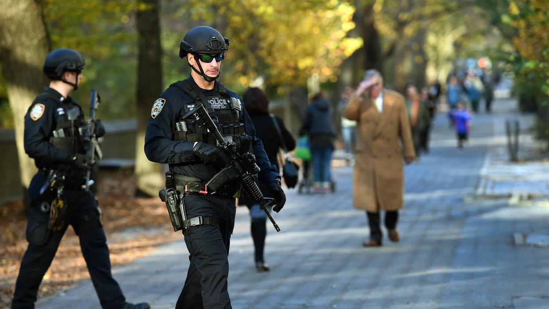 Custodia policial reforzada en NY, frente al consulado francés