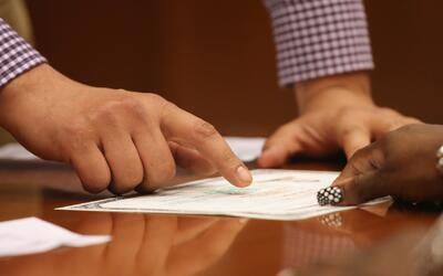 ¿Qué puedo hacer si tengo un documento falso?