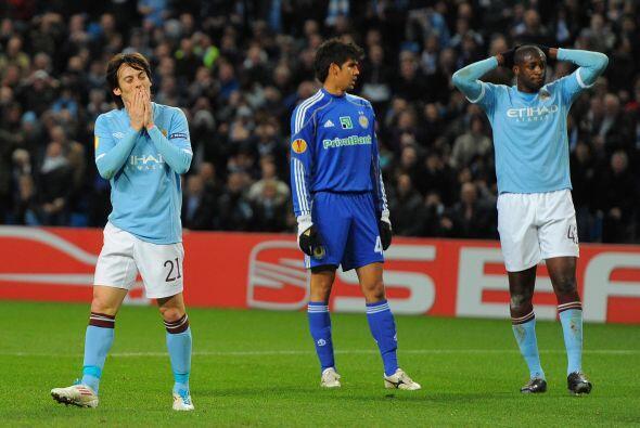 El Manchester City perdió en su primer encuentro ante el Dynamo de Kiev...