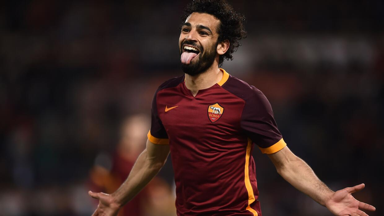 Roma golea a Palermo con Totti en la grada