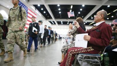 A estos inmigrantes les costará más obtener visas, residencias y ciudadanías en EEUU