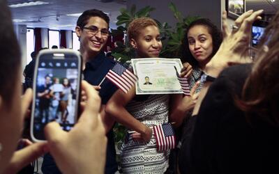 Actualmente los inmigrantes que se someten al examen de ciudadaní...