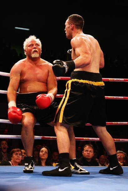 Y la combinación con la izquierda acabó con la pelea.