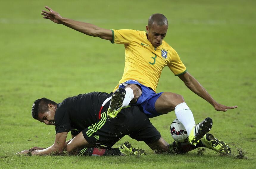Calificamos a los jugadores del Brasil vs. México GMiranda.jpg