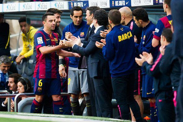 Xavi fue recibido con cariño por todos sus compañeros que estaban en el...