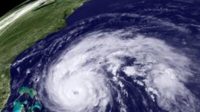Una vista del huracán Earl, en su camino hacia North Carolina, en la cos...