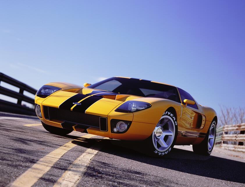 Ford v. Ferrari: La enemistad que creó una leyenda 2002-Ford-GT-40-conce...