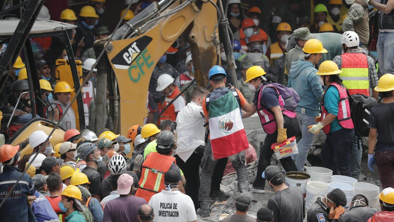 El terremoto de intensidad 7.1 ha cobrado hasta ahora la vida de al meno...