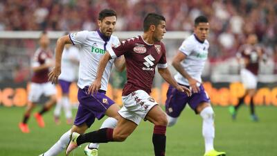 Fiorentina cayó 2-1 ante Torino, Carlos Salcedo jugó los 90 minutos
