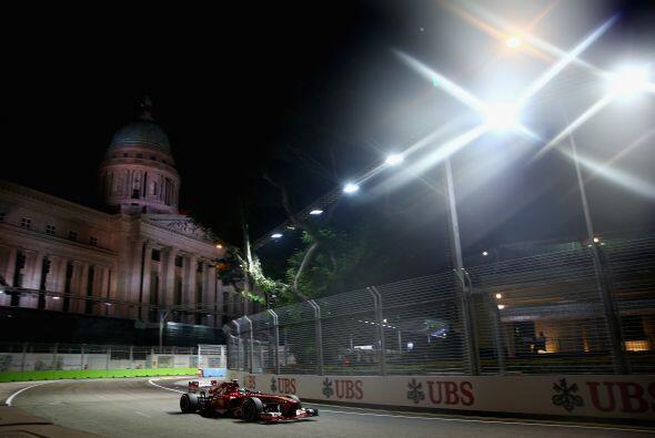 El Gran Premio de Fórmula Uno en Singapur ya comienza a calentar la pist...