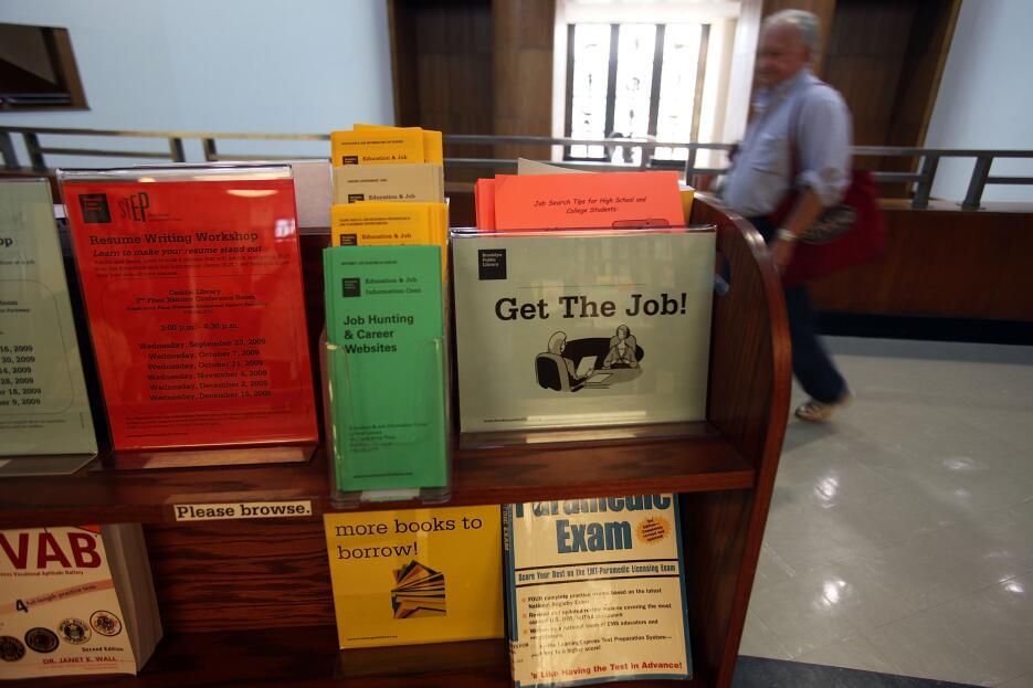 En las bibliotecas públicas de Nueva York se promueve la búsqueda de emp...
