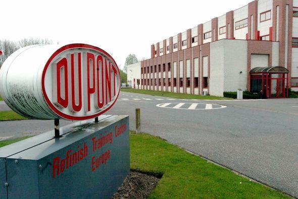 """DUPONT  """"  Situación: Los ingresos trimestrales del gigante químico esta..."""