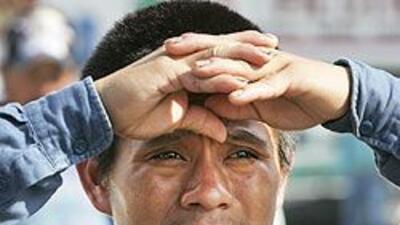 Así viven la crisis las familias hispanas: encuesta Univision/Associated...
