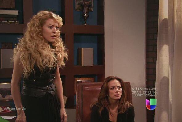Daniel llama a Rafa para avisarle lo que ha sucedido. Camila no puede cr...