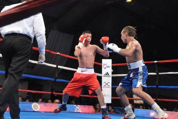 La tercera pelea, en wélter, fue entre José Luis Alday y Alberto Palmetta.