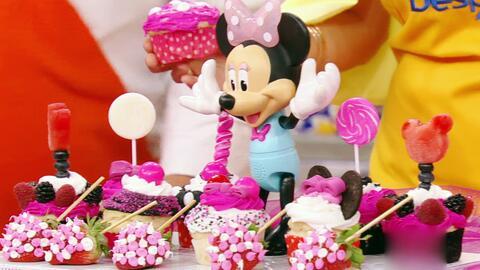 Hoy aprendimos a decorar cupcakes para el cumpleaños de Baby Michelle