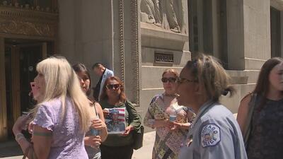 Familias que enfrentan la separación testifican ante el Comité de Relaciones Humanas del Concilio de Chicago