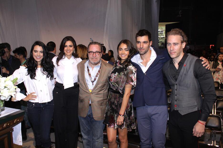 La telenovela 'Sin tu mirada' bendice el inicio de grabaciones