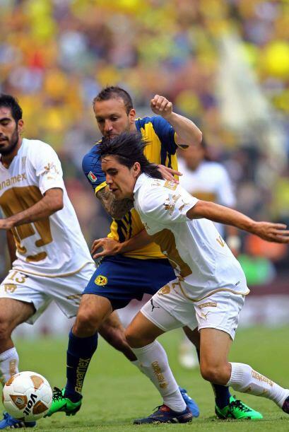 Efraín Velarde  El 'Chispa' es otro de los jugadores que tiene más tiemp...