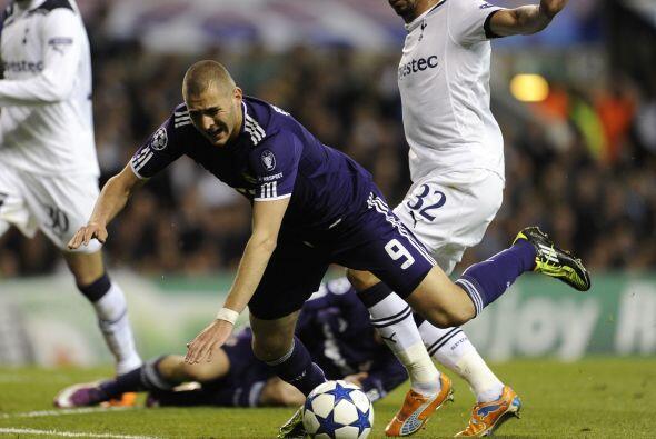 El francés Karim Benzemá ingresó en la segunda mitad. El delantero se mo...