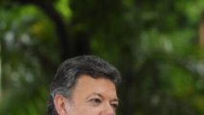 Juan Manuel Santos dice que se recupera satisfactoriamente.