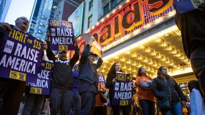La protesta ocurrió en varios puntos del país. Los trabajadores exigen q...