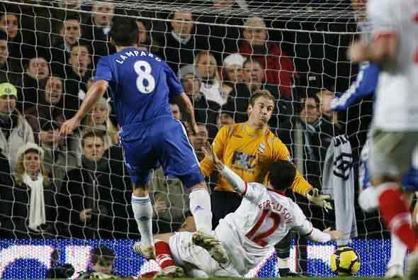 El Chelsea ganó 3-0 y le saca un punto a sus seguidores pese a tener un...