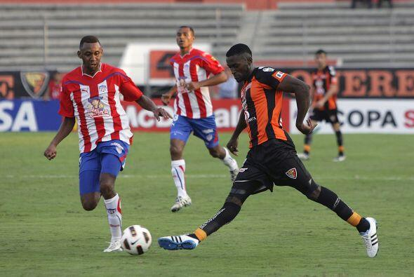 Jaguares y Junior pactaron un 1-1 en Chiapas. El resultado favorece al e...