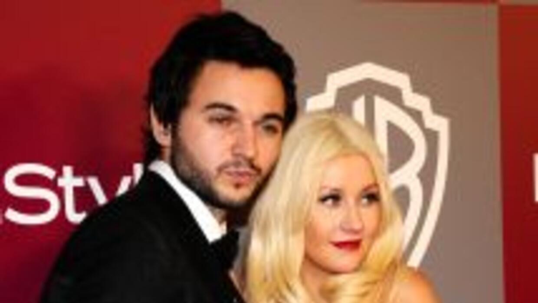 Christina Aguilera llegó este domingo a Sao Paulo junto a su nuevo novio...