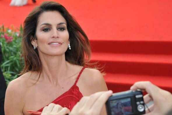 En 2011 deslumbró en Venecia con un vestido rojo.