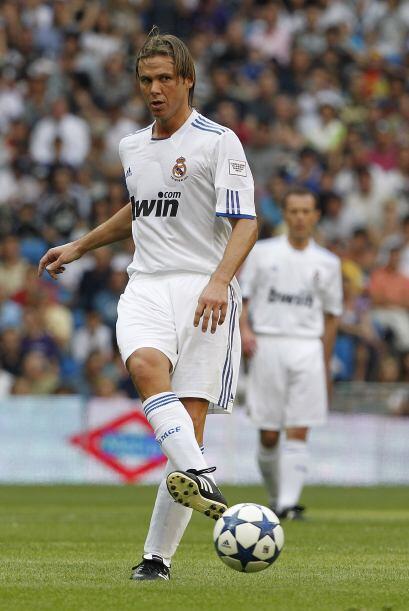 El argentino Fernando Redondo vivió días amargos por una lesión de ligam...