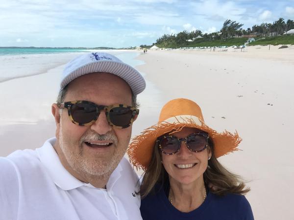 El Gordo se fue de vacaciones a las Bahamas.