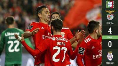 Benfica goleó al Feirense y se pone a un punto del líder