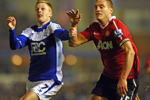 La fecha 20 de la Liga inglesa vio como los equipos de Manchester compar...