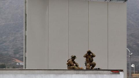 Fuerzas de seguridad en la reciente visita del presidente Trump a la fro...