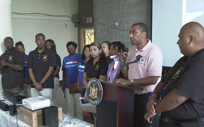 Feria de servicios en El Bronx despejó dudas sobre inmigración a sus asi...