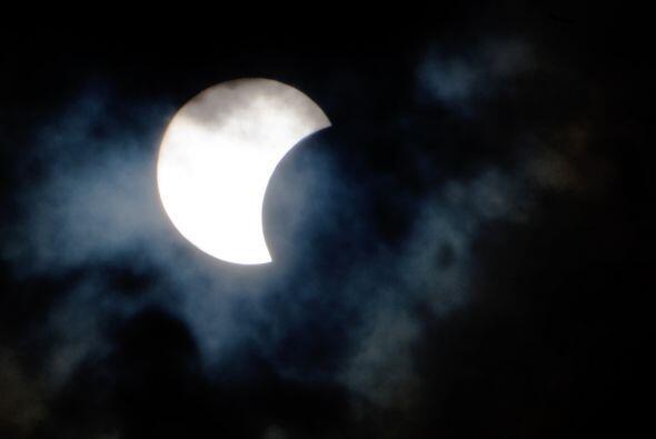 """El eclipse, fue retransmitido """"online"""" desde Sibioli por un gr..."""